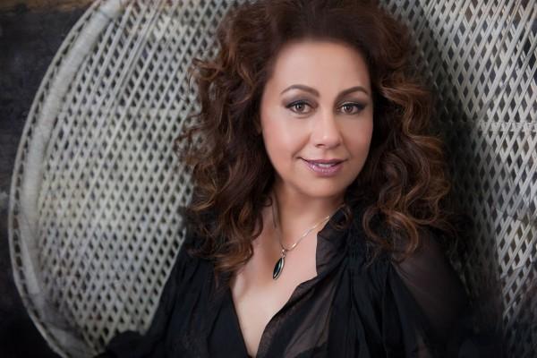 Glamour photography of singer Masina Miller